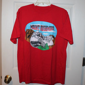 Mount Rushmore t shirt with butts on back L